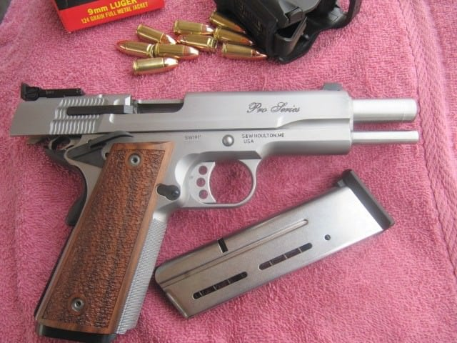 SW Pro Digested Federal American Eagle 124 Grain FMJ 9 mm Easily