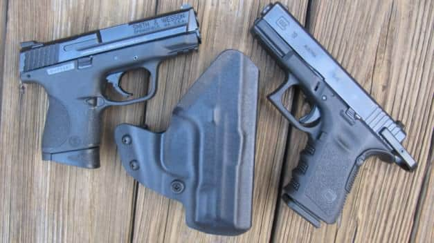 S&W M&P 9C and Glock 19 with Paratus Kydex Holster