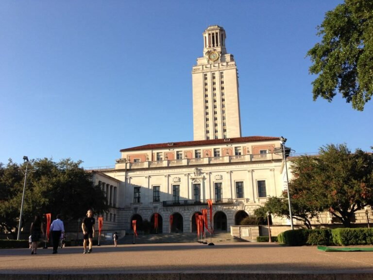 Concealed Carry Allowed for Students of the University of Texas Starting Aug. 1 with Restrictions