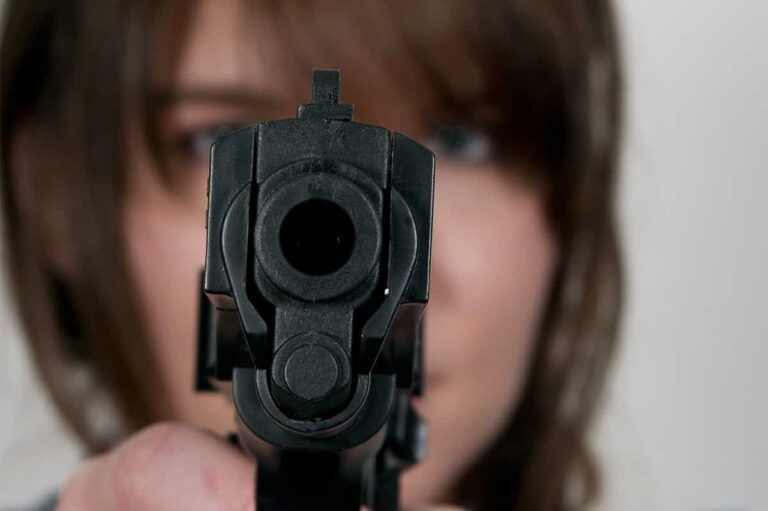 Don't Pull Your Gun in an Argument…Like This Woman