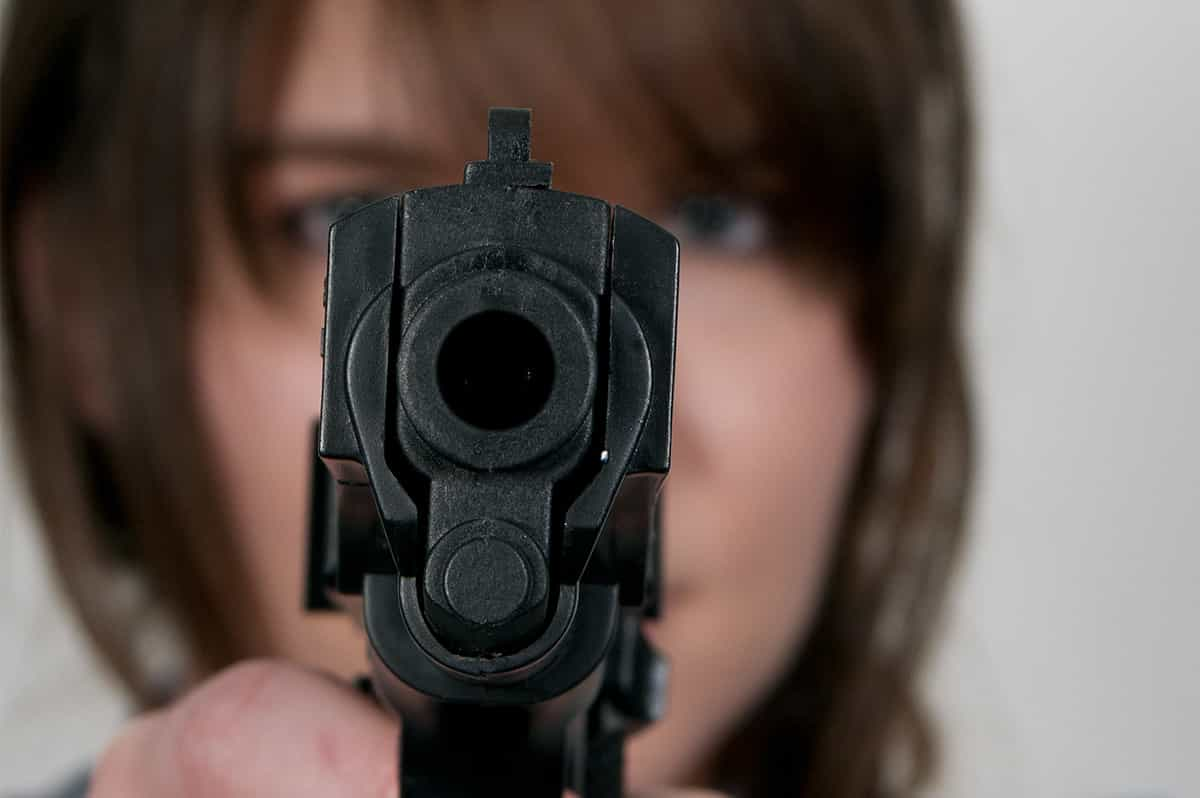 Don't Pull Your Gun in an Argument...Like This Woman