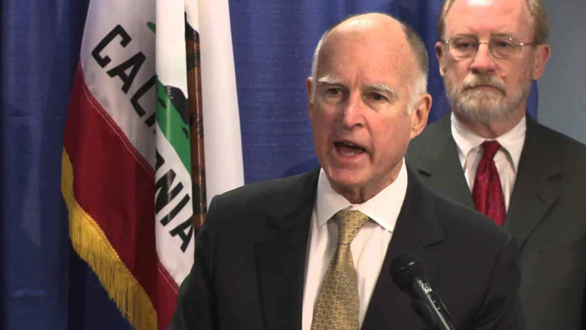 California Governor Signs Six New Gun Control Laws