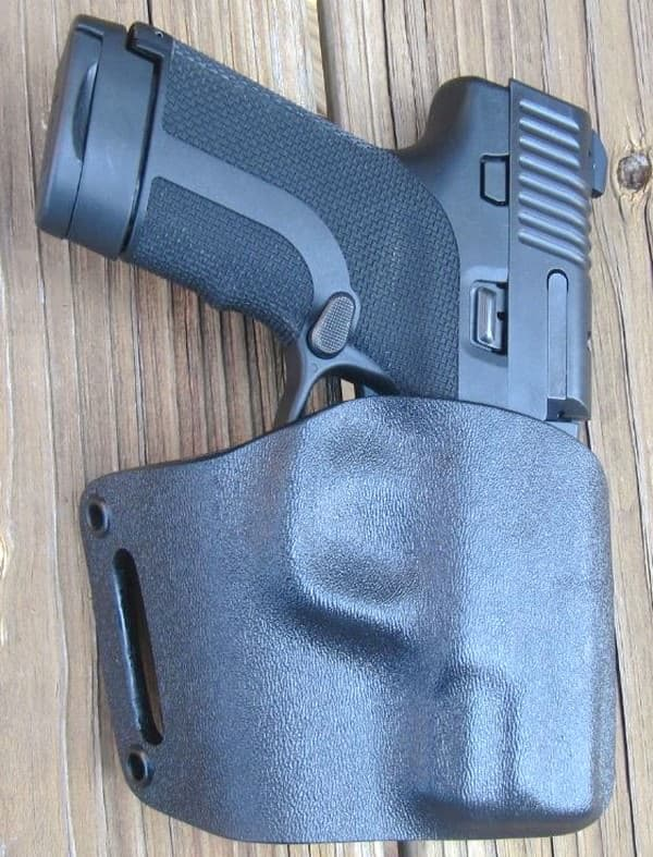 Albama Holster's Kydex OWB Avenger for Honor Guard