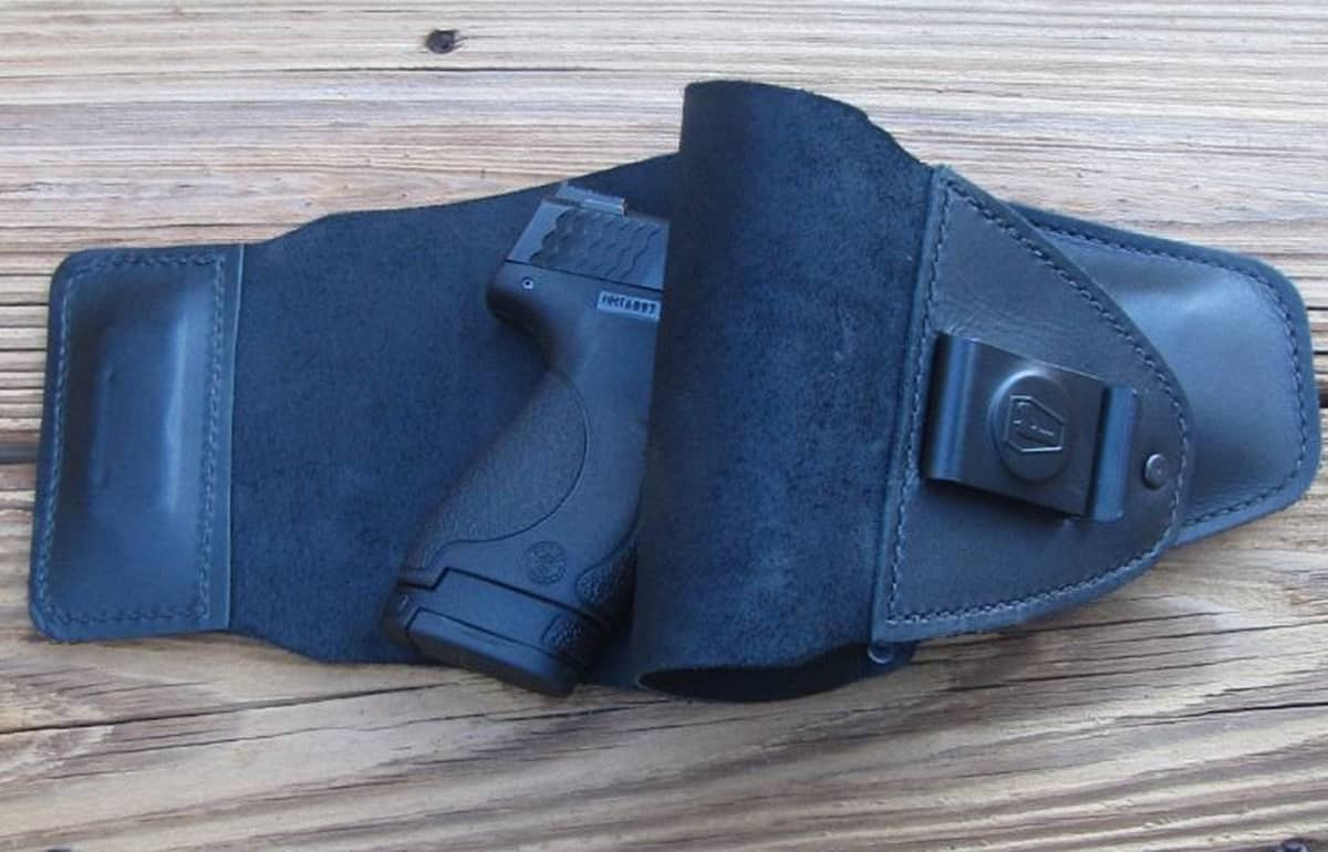 [HOLSTER REVIEW] The Urban Carry Holster