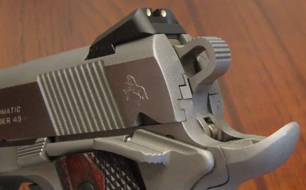 Colt 1911 XSE Upswept Beavertail, Serrations, Novak Sight, & Combat Hammer