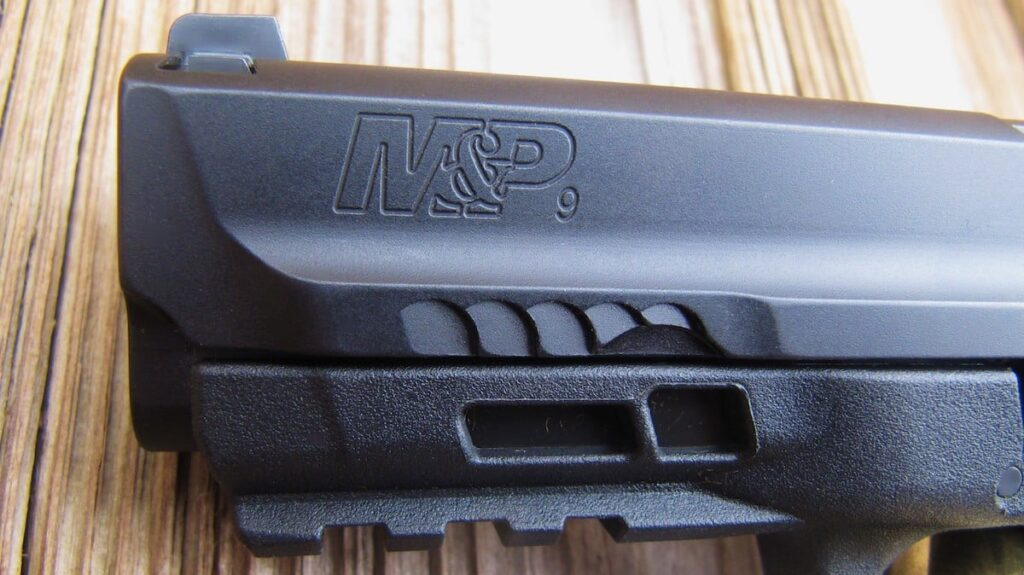 M&P M2.0 Front Slide Mini-Serrations and Dust Cover Windows to See Extended Steel Chassis