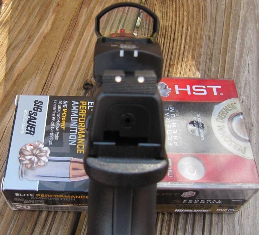 XDM-Rear-CLOSE-RD-FO Front-2 Ammo