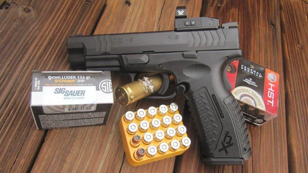 CLOSE-Gun-2 Ammo-Eagle-LEFT-Open Ammo