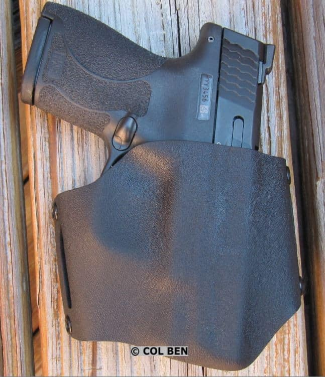 M&P Shield M2.0 9mm in Alabama Holster's Flapjack Kydex OWB Holster