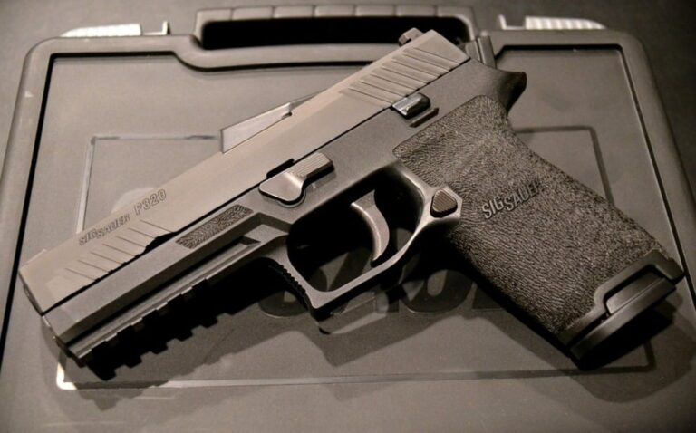 Which Is The Best Sig Sauer Polymer Pistol — P250, P320, or SP2022?