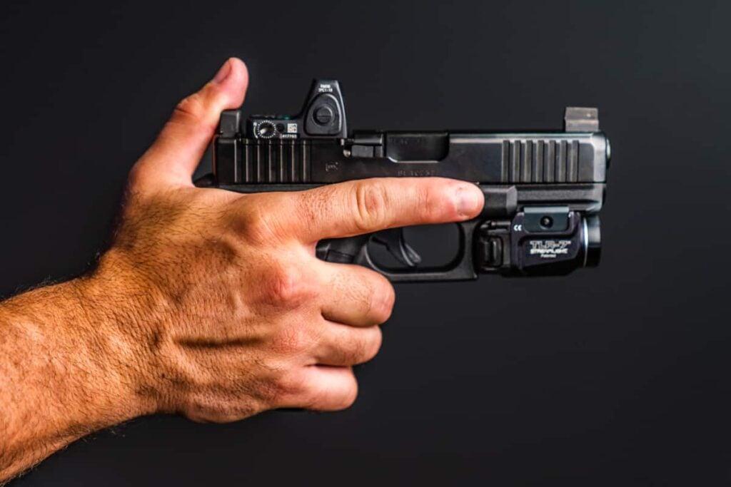 Gun Switching Hands