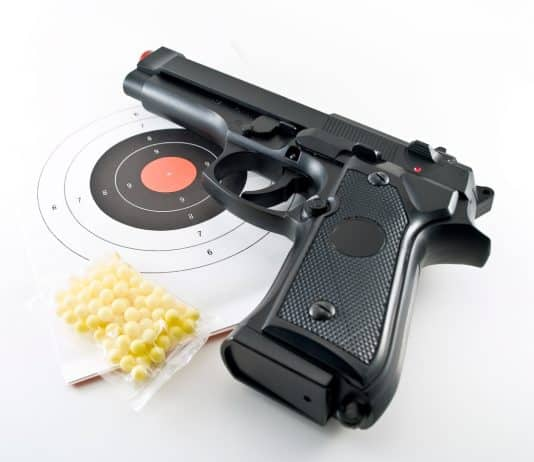 Man w/ Pellet Gun Unsuccessfully Robs Two Concealed Carriers