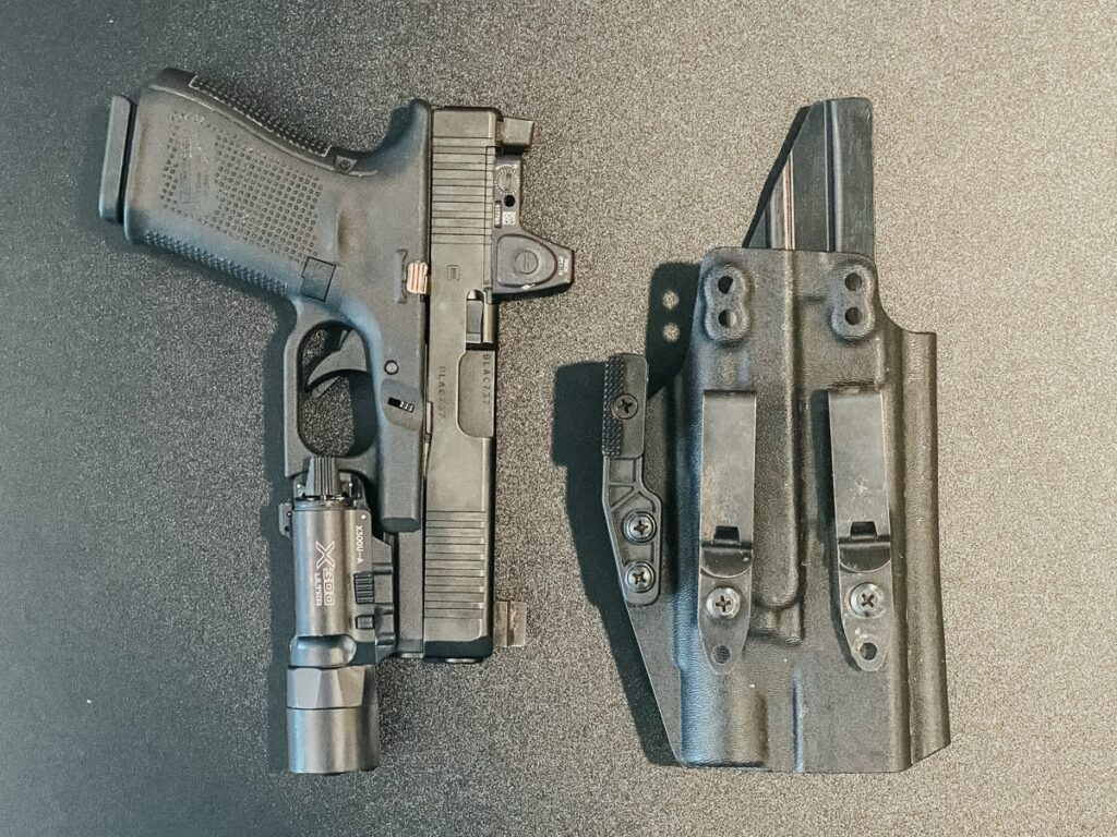 Glock 19 MOS with a Surefire x300U & a Henry Holsters Spark AIWB/IWB Light-Bearing Holster