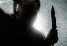 Off-Duty Office Forced To Shoot Mentally Unstable Neighbor w/ Knife