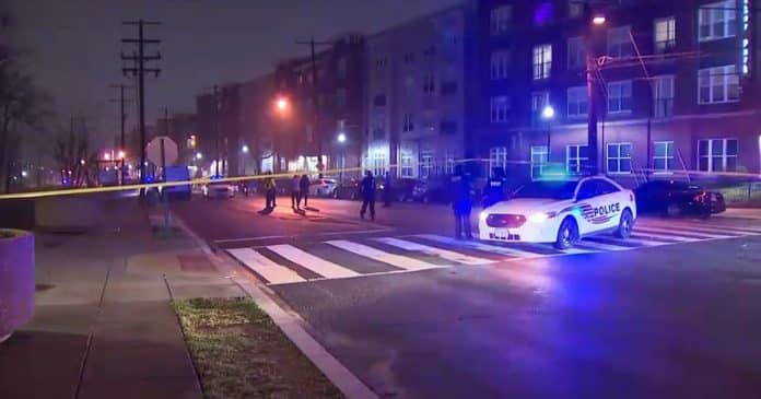 Teen Attempts To Rob Off-Duty Officer w/ BB Gun, Gets Shot
