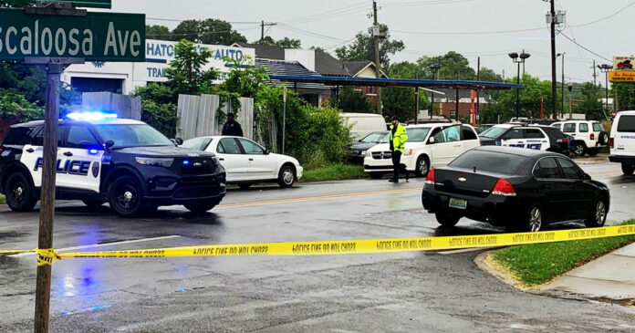 Auto Repair Worker Kills Robber in Shootout at Shop
