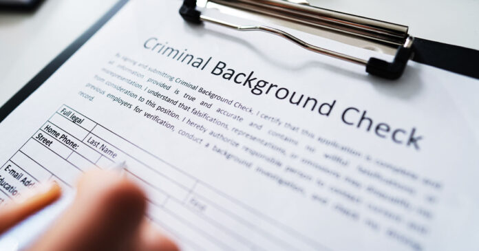 New Illinois Background Check Law Goes Into Effect