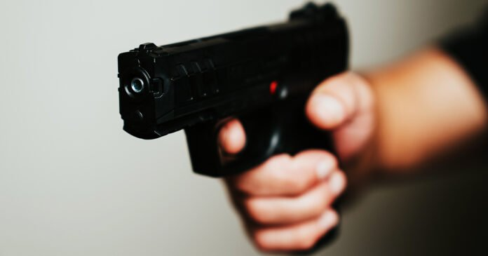 A Quiktrip Security Guard Shoots A Woman Who Threatened With A Pellet Gun